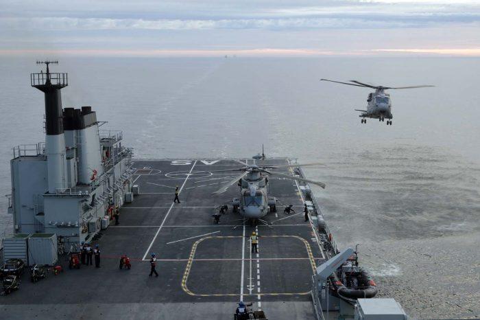Reino Unido envía al Caribe barco con capacidad de guerra aeronaval