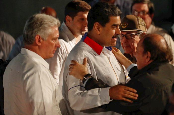 Así utilizan las dictaduras de izquierda latinoamericanas el Coronavirus para reprimir