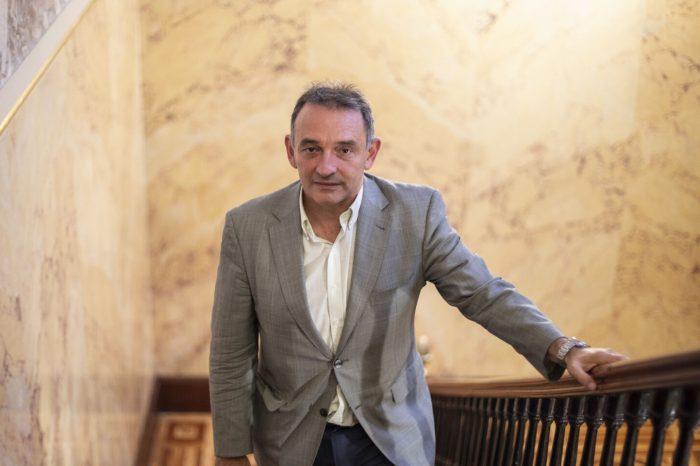 Ex abogado de las FARC y asesor chavista al frente de estrategia contra el Covid-19 en España