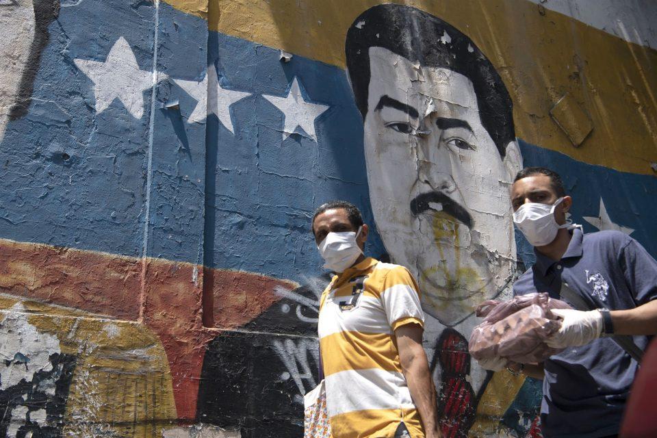 Sesenta países ofrecieron $3.400 millones en ayuda para refugiados venezolanos. Pero, ¿quién manejará ese dinero?