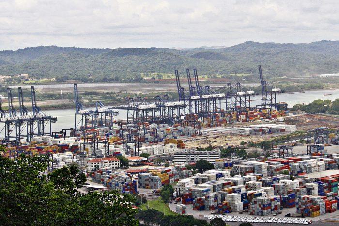 EE.UU. presiona para neutralizar más de 60 buques iraníes registrados en Panamá