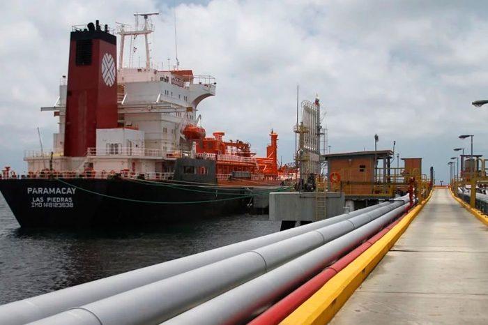 Maduro usa 8 tanqueros para enviar más de 70 mil barriles diarios a Cuba