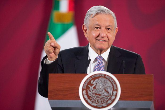"""Presidente mexicano dice que sabía del atentado, que tiene miedo pero que """"no es cobarde"""""""
