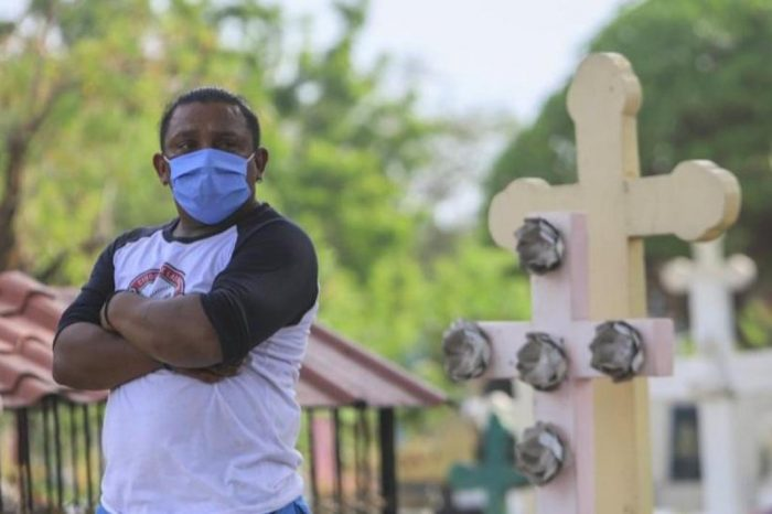 En Nicaragua, despiden a médicos, entrenadores de beisbol y a quien critique a Ortega por manejo de pandemia
