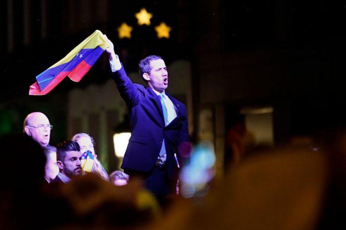 Guaidó busca recuperar 25 millones de euros de la CVG en bancos de Madrid que Maduro quiere enviar a Rusia