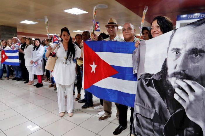 Invasión de médicos cubanos en México genera rechazo por bajo profesionalismo