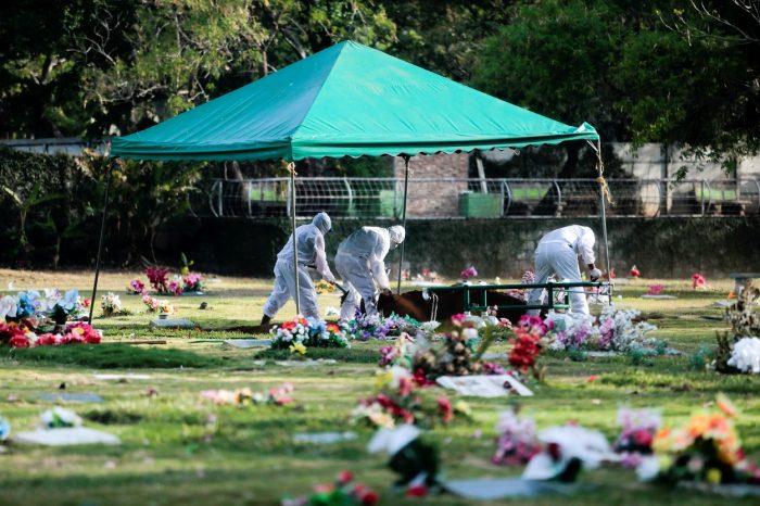 En Nicaragua, el régimen no reconoce grave mortandad del Covid-19, pero entierra los muertos a medianoche