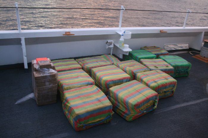 Guardia Costera de EE.UU. intercepta otra media tonelada de cocaína en operativo antinarcóticos