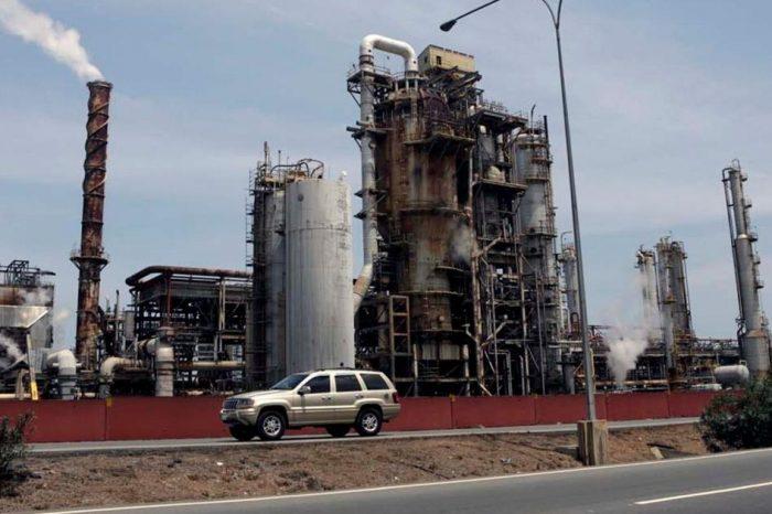 Filtraciones en refinerías de Carabobo y Falcón paralizan completamente producción de gasolina en Venezuela