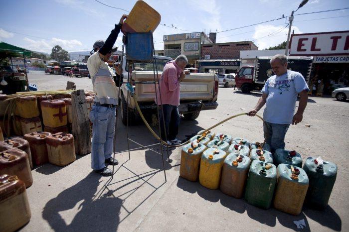 Los buques iraníes no solucionaron la escasez de gasolina en Venezuela