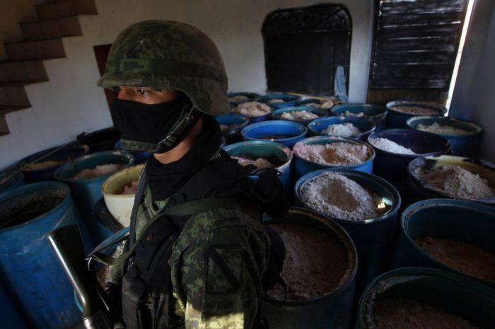China mantiene la producción de drogas sintéticas de los carteles mexicanos