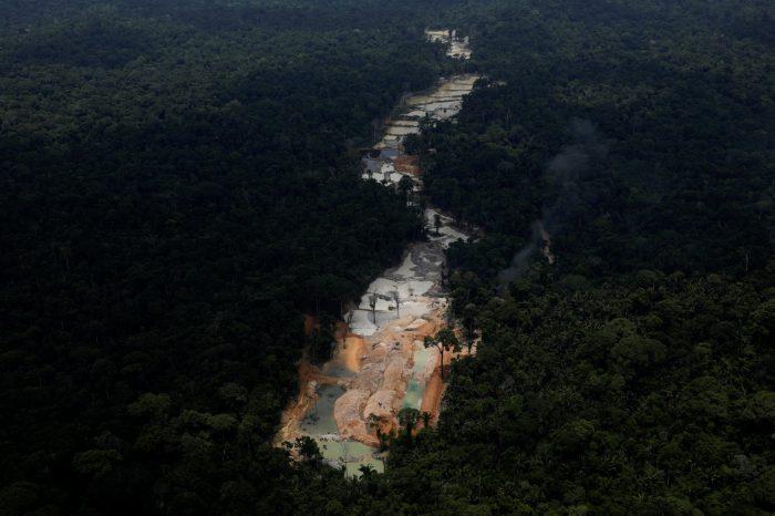 Academias Nacionales de Venezuela lanzan duro pronunciamiento contra la explotación minera coordinada por Nicolás Maduro