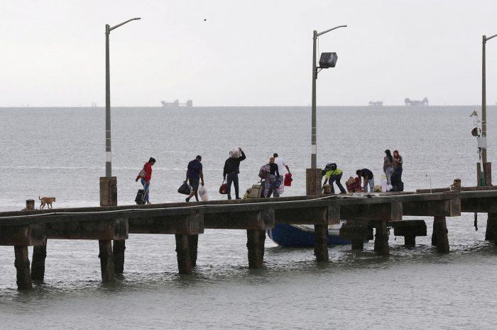 Investigan red de tráfico humano de venezolanos dirigida por policías de Trinidad y Tobago