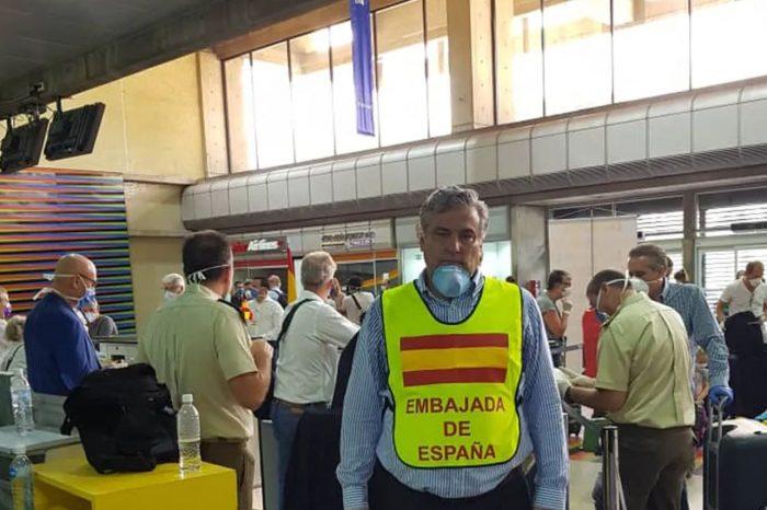 Régimen de Maduro sigue con trabas para vuelos humanitarios en medio de la pandemia