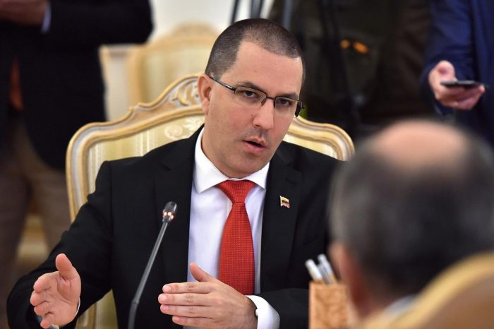 Así insultaron al canciller de Maduro por su diatriba con Uruguay