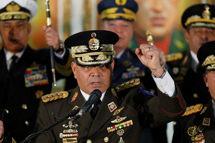 Ministro de la Defensa de Maduro se queda mudo ante incursión estadounidense frente a costas venezolanas