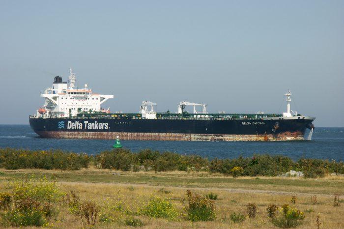 Segundo cargamento de crudo venezolano llega a Italia, a cambio de gasoil