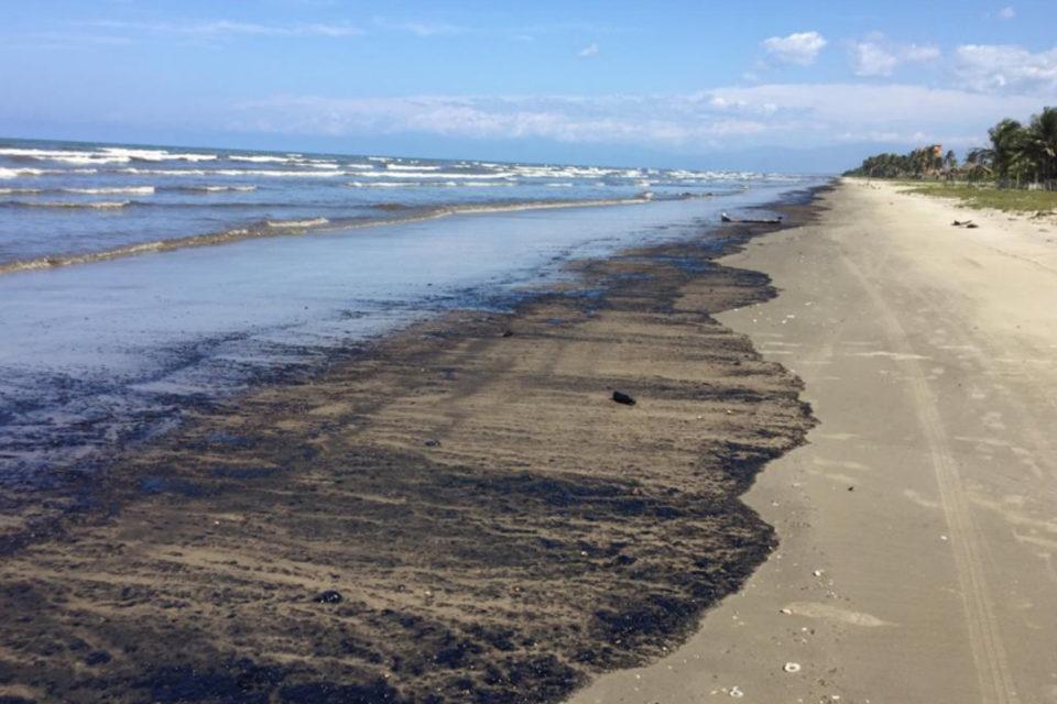 Derrames petroleros de PDVSA ocurren hasta 12 veces cada mes