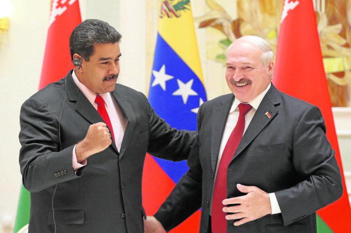 Tras fraude electoral en Bielorrusia la UE planea sancionar al dictador Lukashenko, un antiguo aliado del chavismo