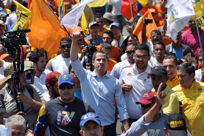 """Partidos opositores deciden unitariamente no participar en """"fraude"""" electoral de Maduro"""