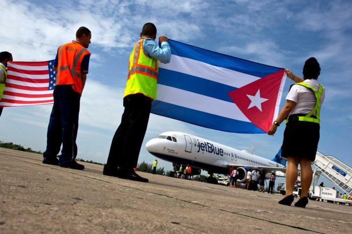 EE.UU. golpea estructura cubana en Venezuela y suspende vuelos chárter a todos los aeropuertos de la isla