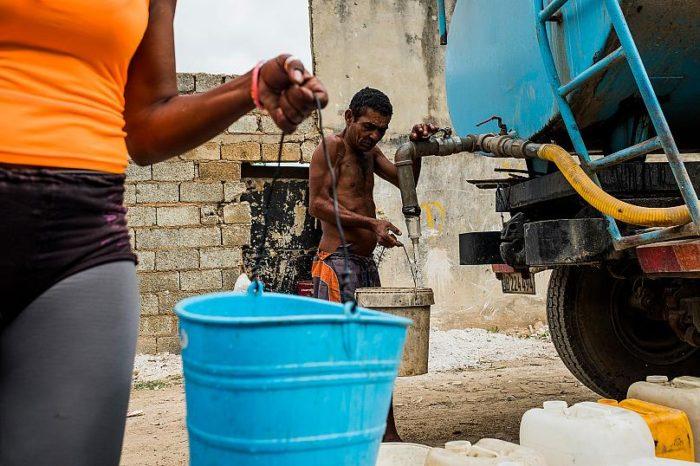 Como en Venezuela, el comunismo cubano no garantiza ni el agua a sus habitantes