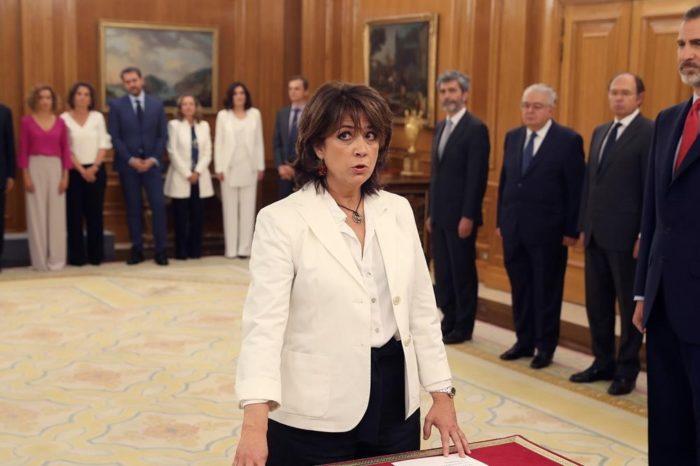 Últimas decisiones de la Fiscalía española benefician sospechosamente al gobierno de Sánchez e Iglesias