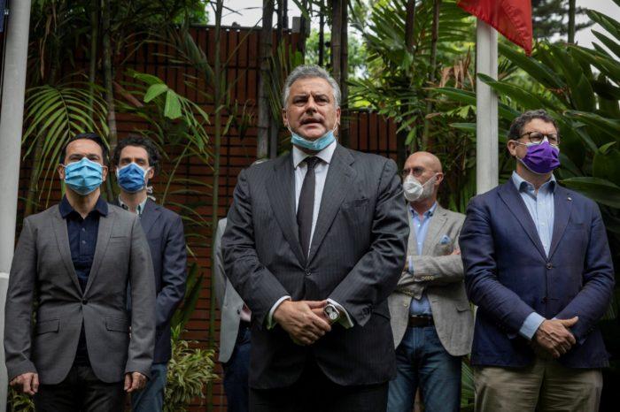 """Maduro tensa relaciones con España tras señalarla de """"cómplice"""" de la """"hostil fuga"""" de Leopoldo López"""