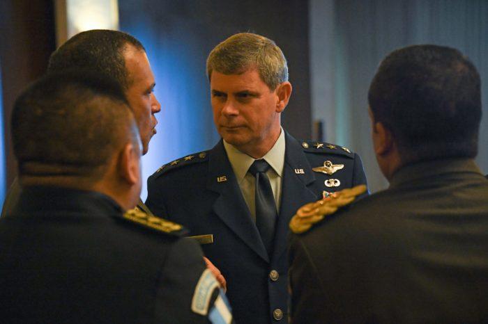 Comando Sur alerta contra la cara oculta de las inversiones chinas y rusas en el hemisferio