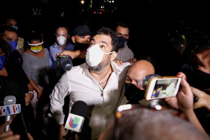 """Escepticismo y rechazo, así son las reacciones a los """"indultos"""" de Maduro"""