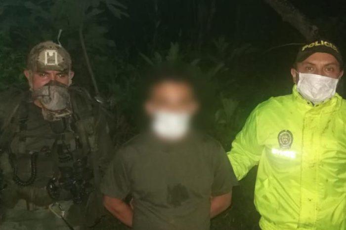 Capturan a un alto capo del ELN que movía toneladas de cocaína a través de Venezuela, gracias a un GPS instalado por la policía