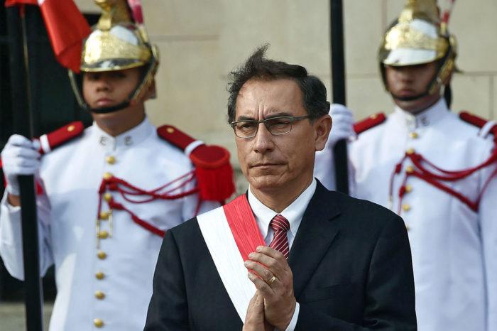 Otro duro conflicto político en Perú amenaza con destituir al Presidente Martín Vizcarra