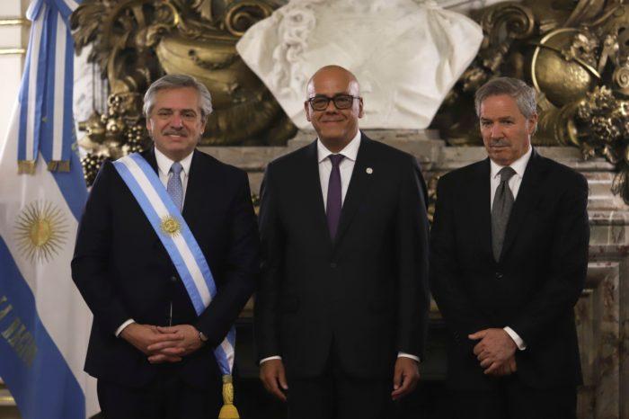 ANÁLISIS: Venezuela y el mareo de Alberto Fernández a Cristina Kirchner