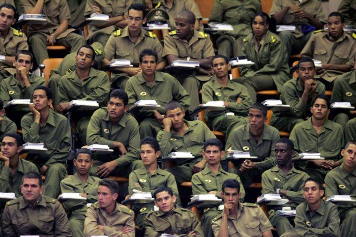 ANÁLISIS: ¿En una Cuba libre será necesario el Ejército?