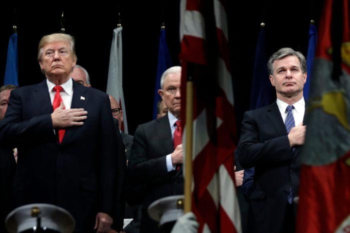 ANÁLISIS: ¿Existe una conspiración del FBI contra Donald Trump?