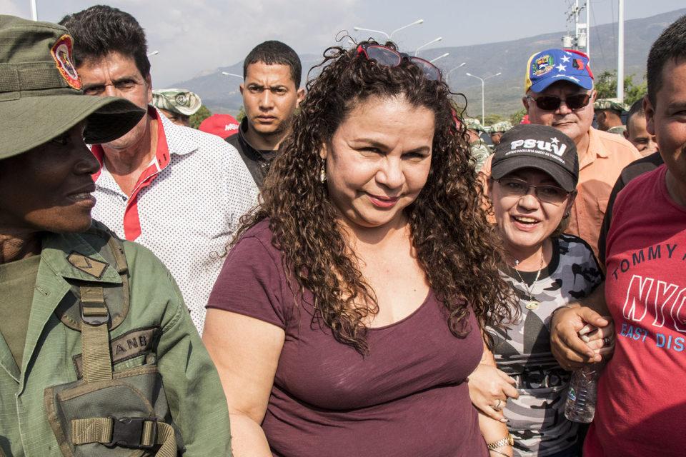 crear caos en Colombia - Iris Varela - Primer Informe