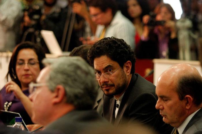 Tras su liberación, Uribe contraataca con una demanda a Iván Cepeda en EEUU