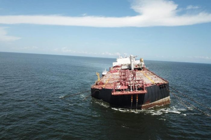 Alerta internacional en el Caribe ante maniobras chavistas para evitar derrame petrolero del Nabarima