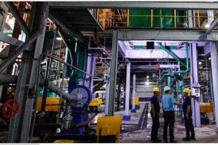 Industriales venezolanos enfrentan debacle socialista con cierres masivos