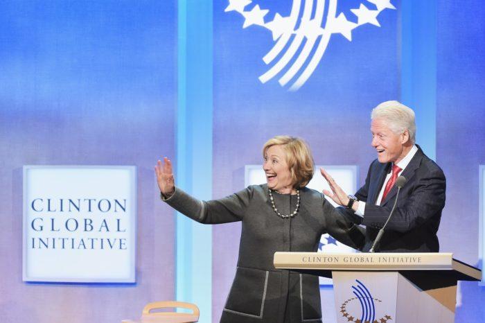 Confirman vínculos de Dominion con la Fundación Clinton y personal de confianza de Nancy Pelosi