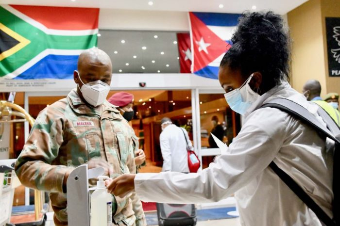 Hasta en Sudáfrica cuestionan la formación de médicos en Cuba