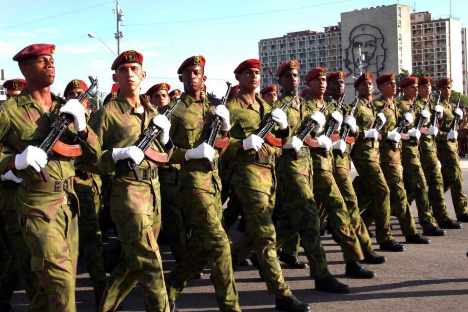armas para defender el comunismo