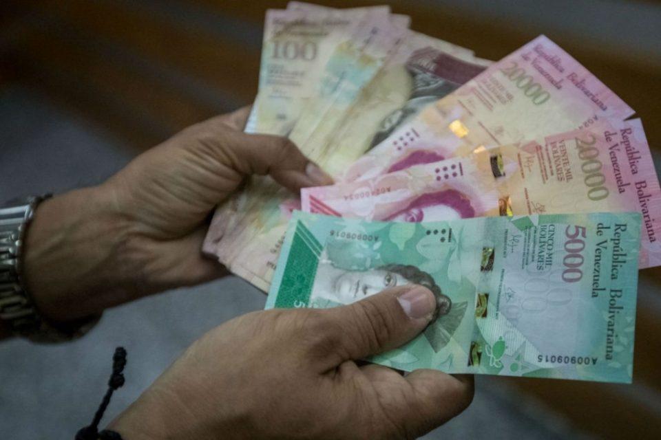 Maduro está obligado a forzar los pagos digitales en Venezuela