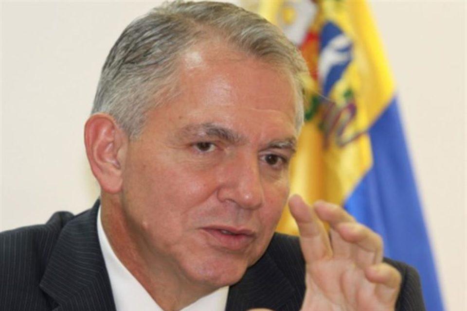 propiedades de un exministro Chávez