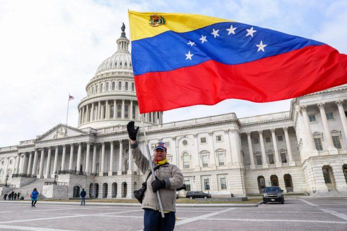 venezolanos residan legalmente en EEUU