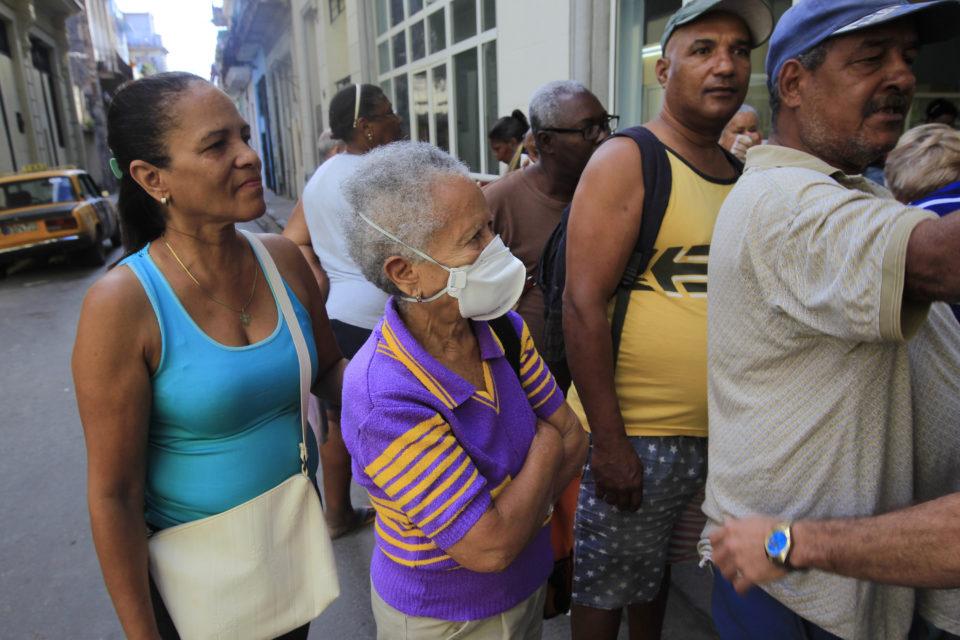 el comunismo cubano abandona a la tercera edad - primer informe