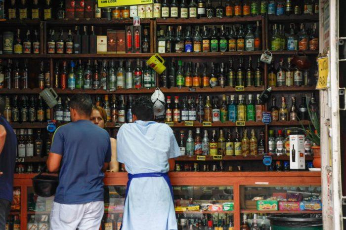 La crisis del chavismo también disminuyó el consumo de bebidas alcohólicas en Venezuela
