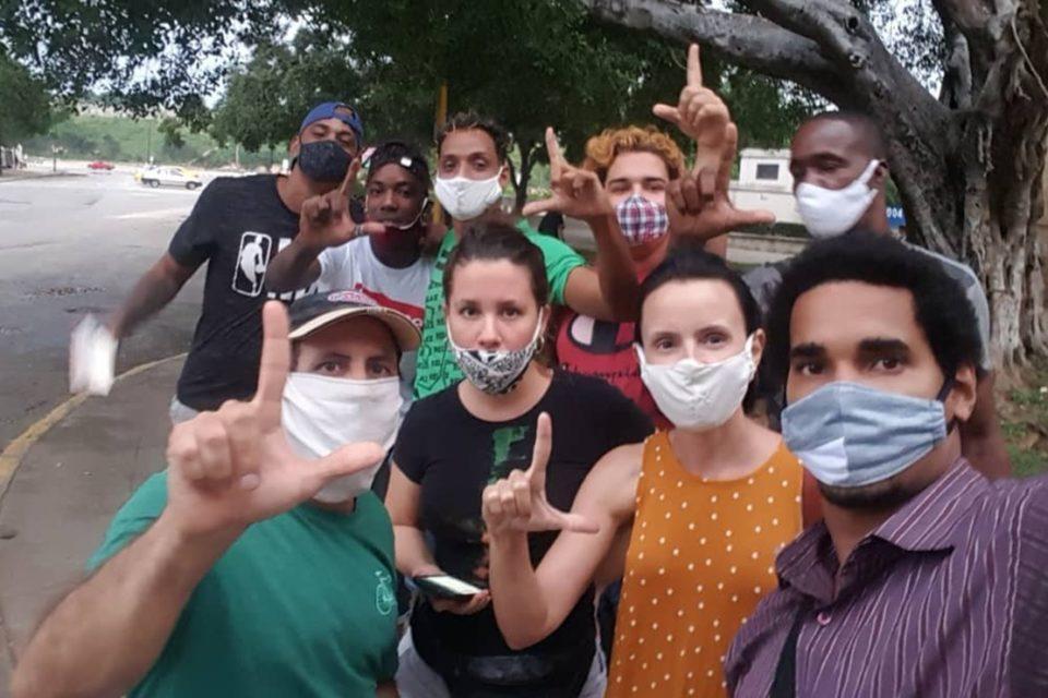 prohibiciones en Cuba son una burla contra el periodismo - primer informe