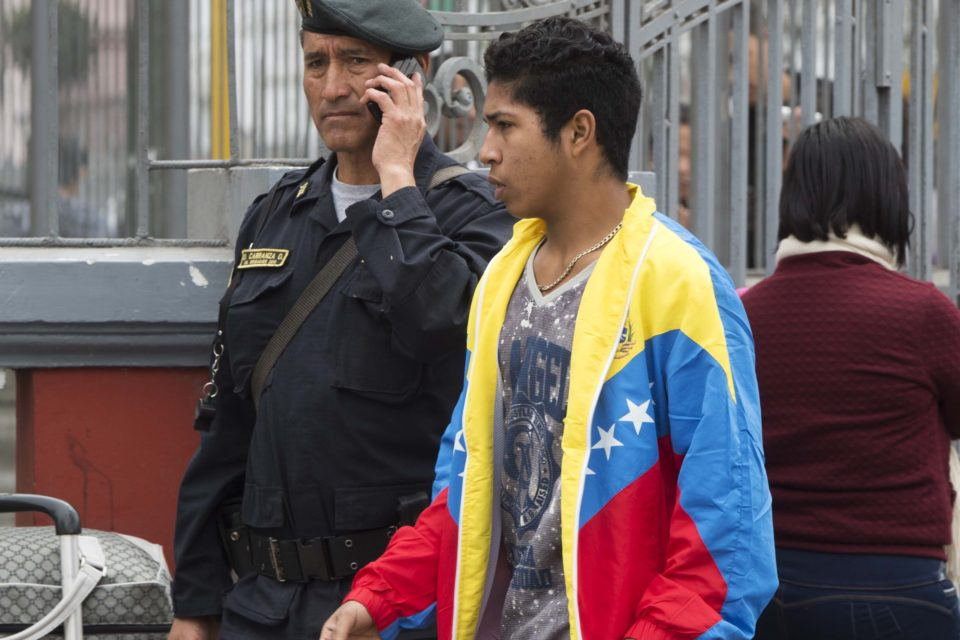 defienden a los venezolanos de la xenofobia - primer informe