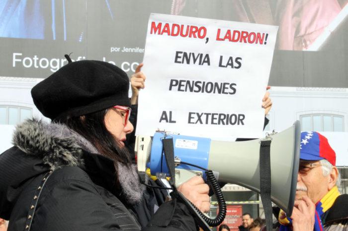 Maduro también ahoga a los jubilados venezolanos en España